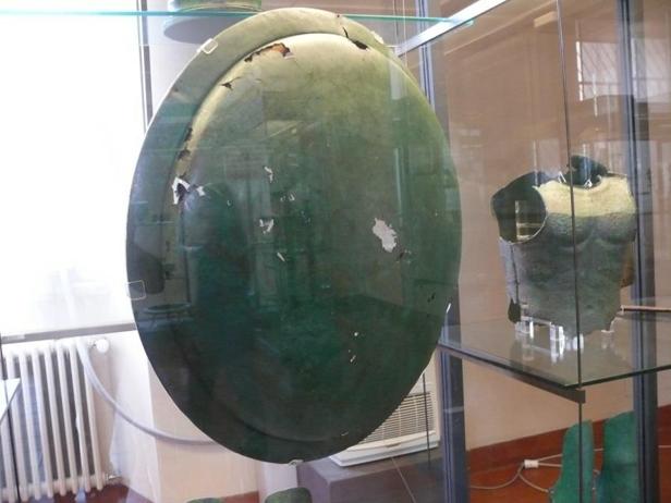 Bouclier type « Aspis Koilè », IVème siècle avant Jésus-Christ, Museo Gregoriano, Vatican : Face