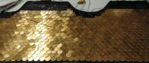 Il est très important de laisser de la marge de tissu sur les bords du haut afin de pouvoir ajuster proprement.